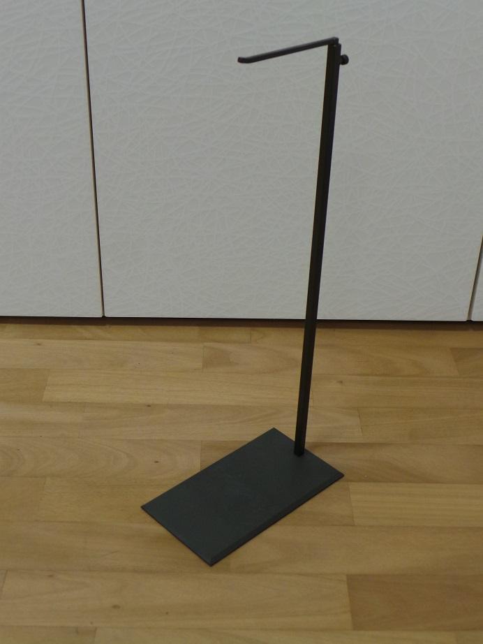 Porta borse brunito – Bronzed handbags stand